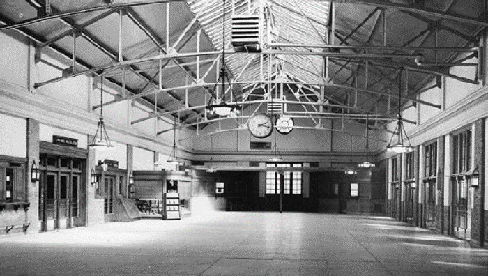 Black & White photograph of Halifax main concourse in 1928